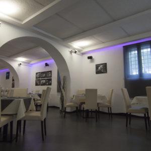 correzione acustica a soffitto ristorante gibbos roma ponte milvio